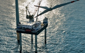 Rotormontage im Offshore-Windpark alpha ventus