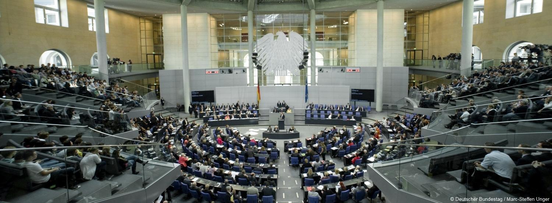https://www.offshore-stiftung.de/sites/offshorelink.de/files/front-stage-images/Bundestag%20Plenarsaal%201%201500%20x%20554_0.jpg