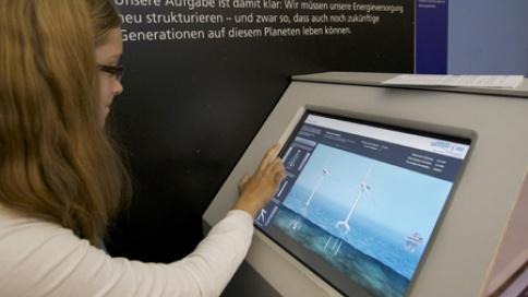 und man kann sich hier seinen eigenen virtuellen Windpark bauen.